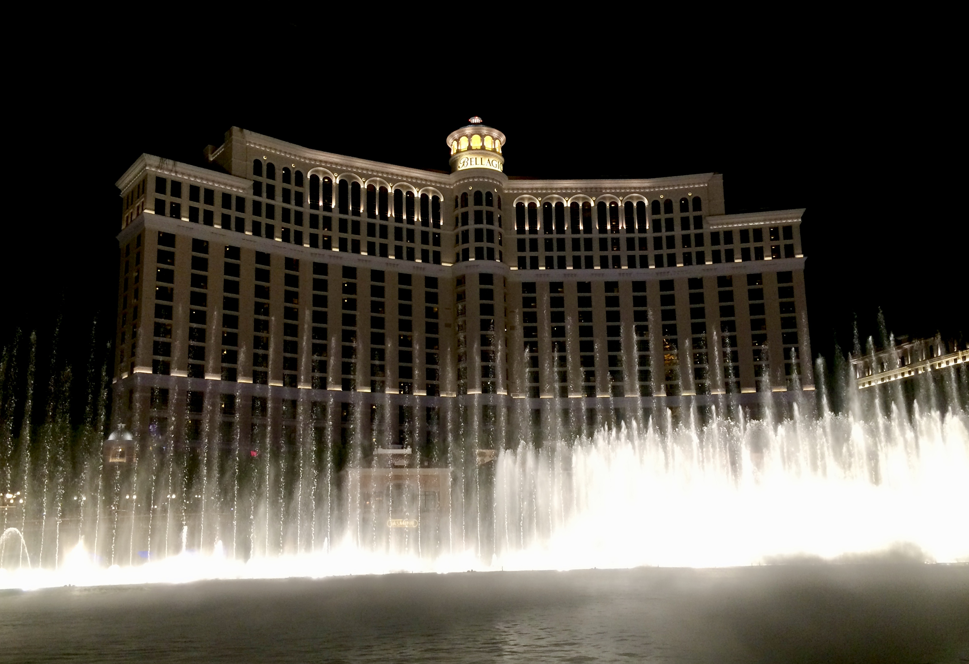 Why I Go To Vegas Every Year For My Birthday | Cathedrals and Cafes Blog | Bellagio Fountains