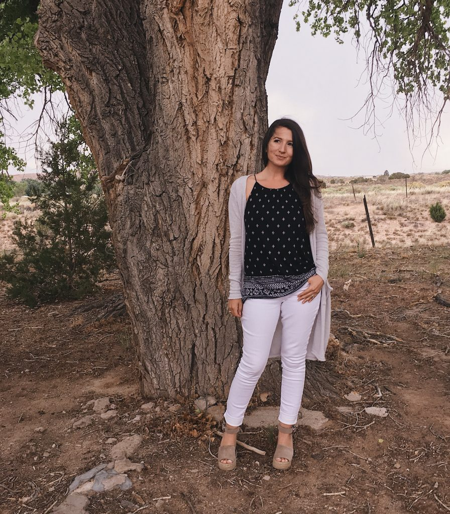 Southwestern Casual Outfit | Black tank top | White Jeans | Long Cardigan | Espadrille Wedges | Cottonwood trees | Cathedrals and Cafes Blog