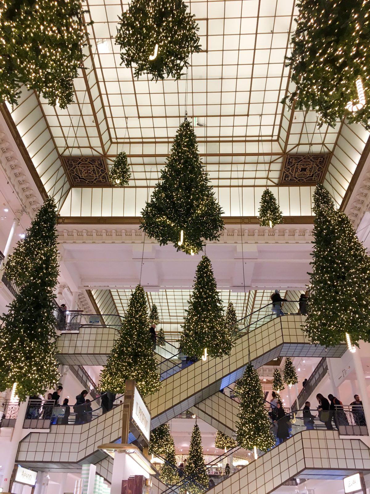 le-bon-marche-paris-christmas
